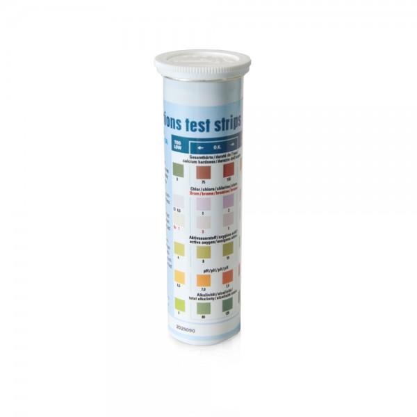 Teststreifen mit Farbskala zur Wasseranalyse