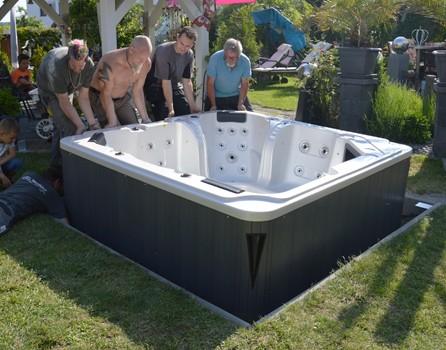 Whirlpool im Garten aufstellen | AIDA Whirlpools