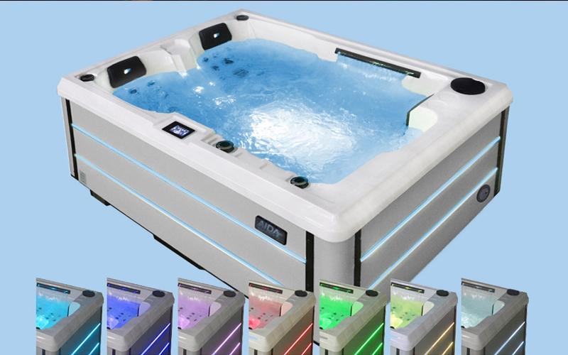 Whirlpool mit Farblichttherapie, verschiedene Farben